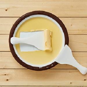 ロール状のアイスクリームを作れるプレート ハピロール ドウシシャ